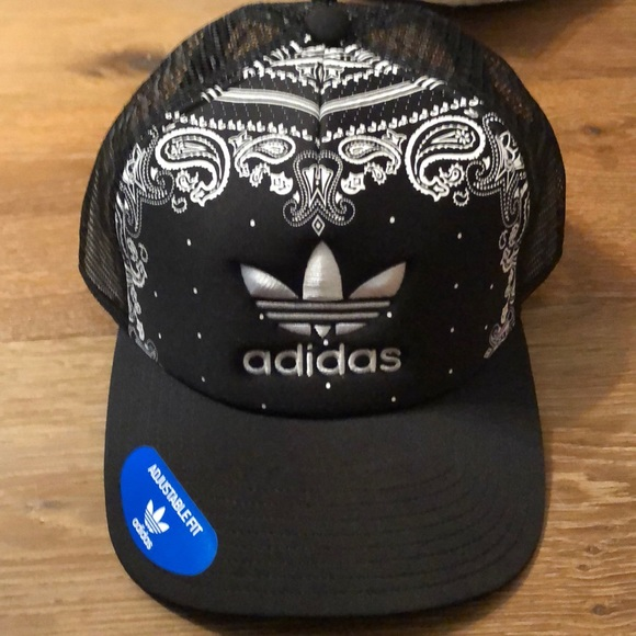 58486220acbc3 adidas Originals Foam trucker hat